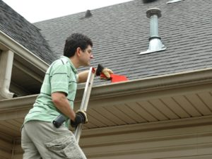3 Tips to Clean Your Gutter Easily
